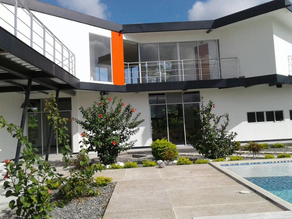 Casa condominio vía Guamo